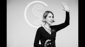 Lisette Sutherland 2016 speaking in Bratislava